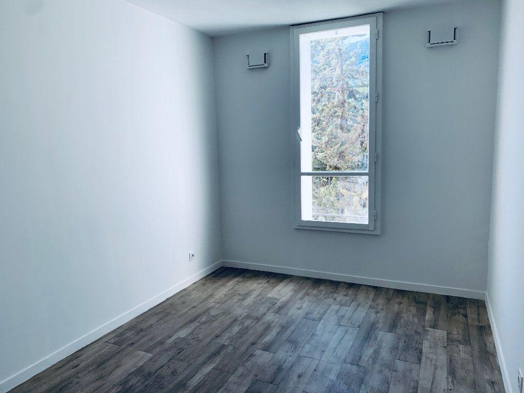 Appartement à louer 4 80.76m2 à Carros vignette-9