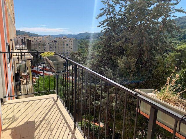 Appartement à louer 4 80.76m2 à Carros vignette-13
