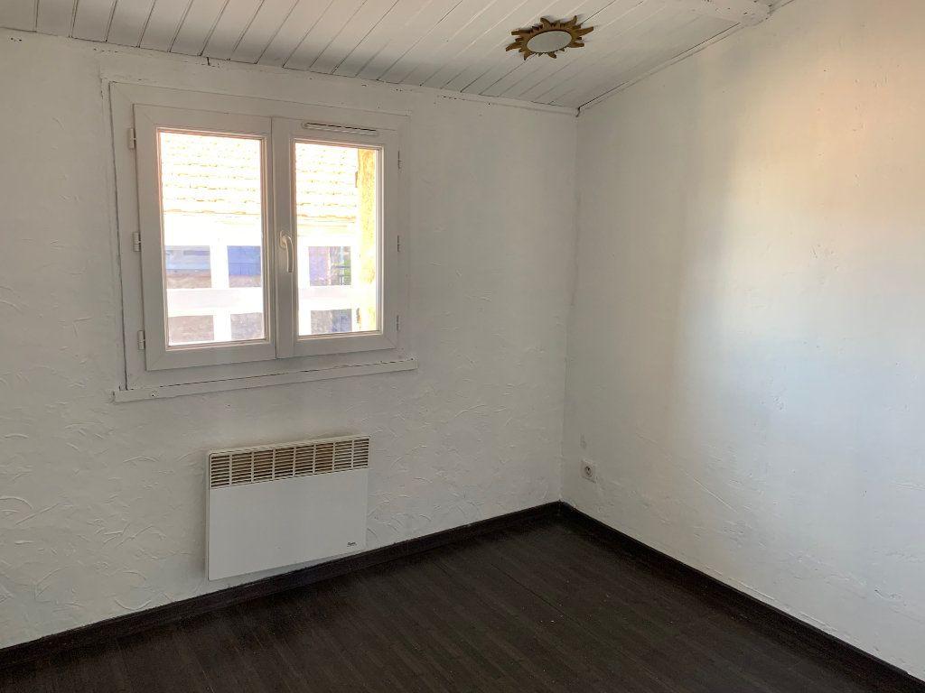 Appartement à louer 3 45.49m2 à Le Broc vignette-2