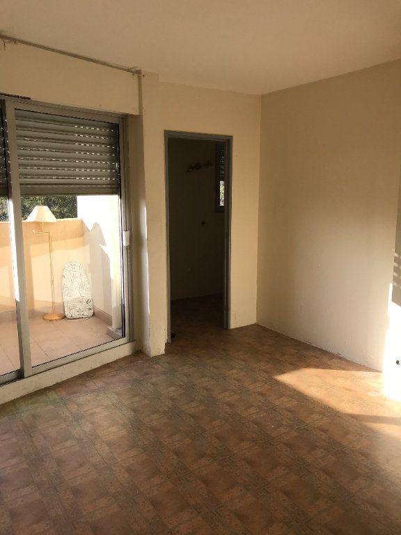 Appartement à louer 1 24.78m2 à Carros vignette-1