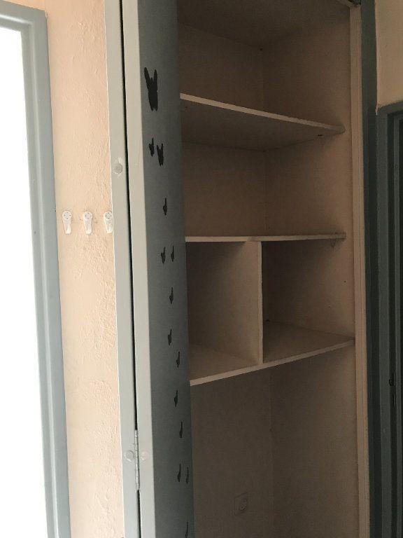 Appartement à louer 1 24.78m2 à Carros vignette-5