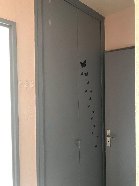 Appartement à louer 1 24.78m2 à Carros vignette-6
