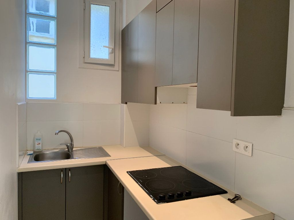 Appartement à vendre 3 55m2 à Nice vignette-2