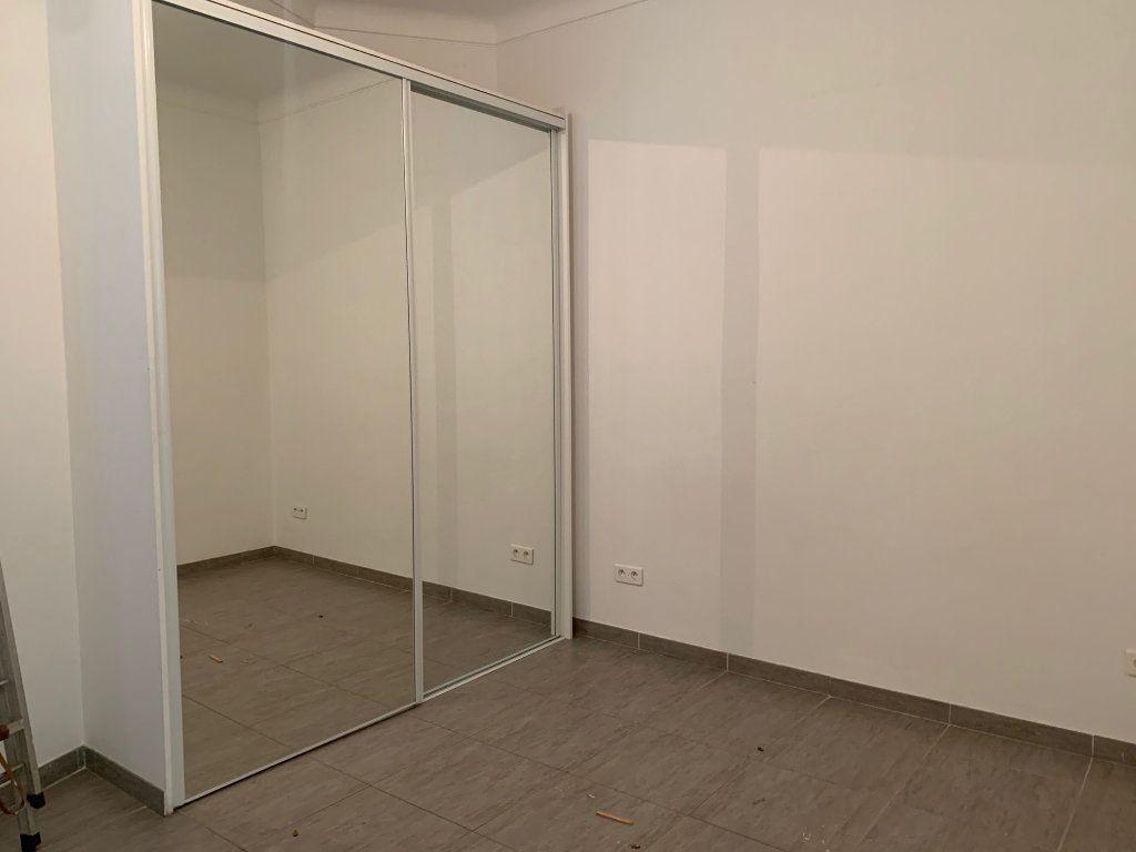 Appartement à vendre 3 55m2 à Nice vignette-4