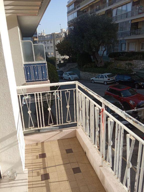 Appartement à louer 3 68.91m2 à Nice vignette-1