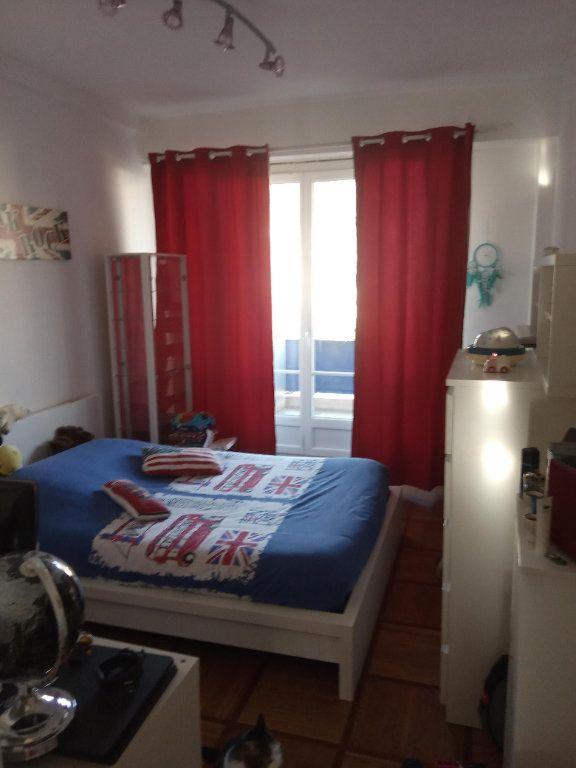 Appartement à louer 3 68.91m2 à Nice vignette-2