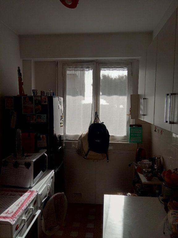 Appartement à louer 3 68.91m2 à Nice vignette-3
