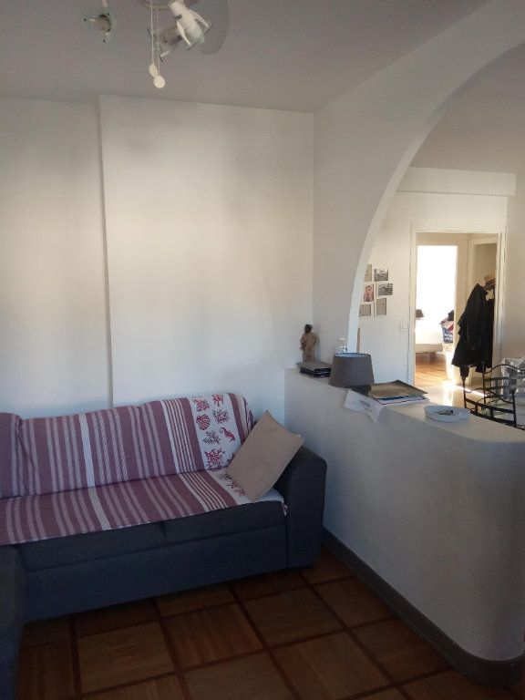 Appartement à louer 3 68.91m2 à Nice vignette-9