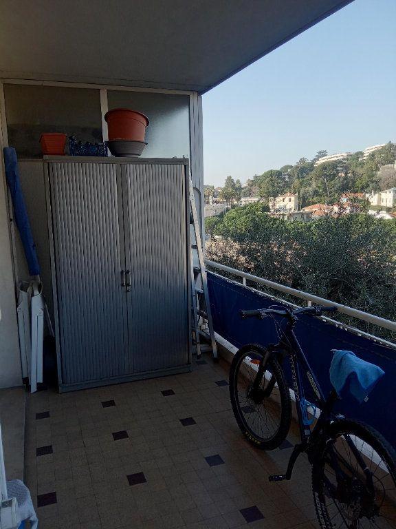 Appartement à louer 3 68.91m2 à Nice vignette-10