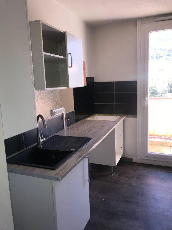 Appartement à louer 2 47m2 à Carros vignette-1