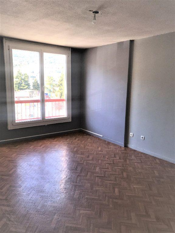 Appartement à louer 2 47m2 à Carros vignette-3