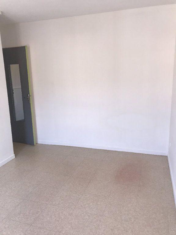 Appartement à louer 2 47m2 à Carros vignette-4