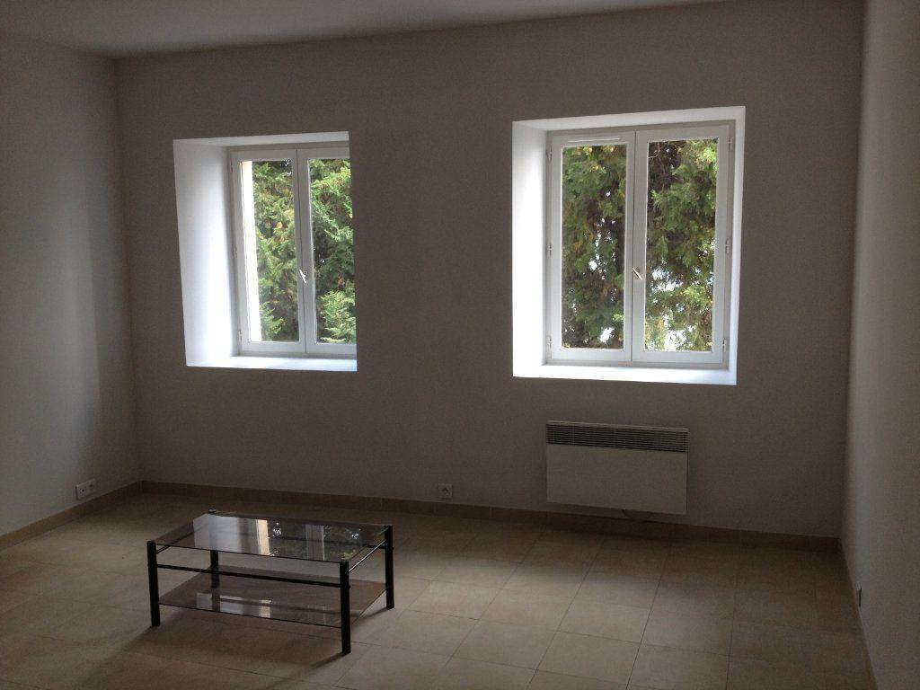 Appartement à louer 3 61.88m2 à Carros vignette-2