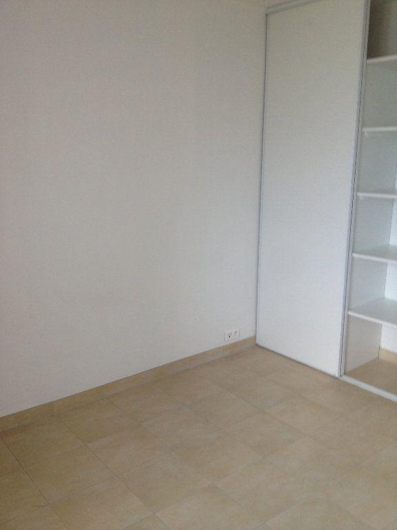 Appartement à louer 3 61.88m2 à Carros vignette-7