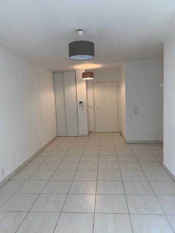 Appartement à louer 2 40.26m2 à La Colle-sur-Loup vignette-3