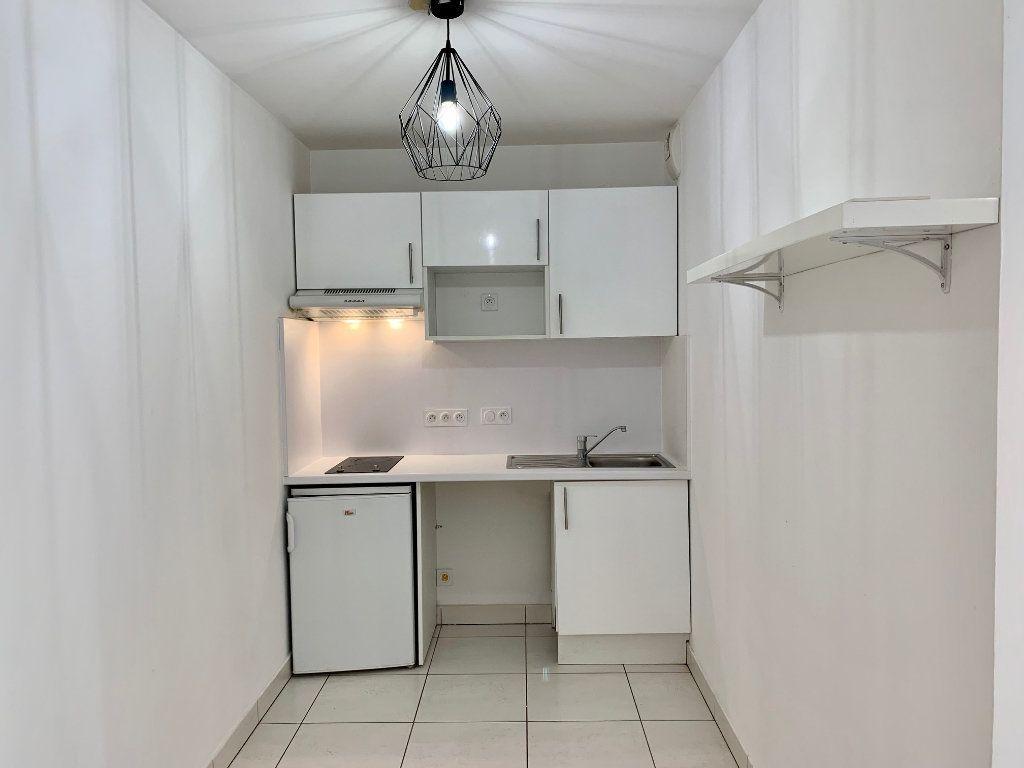 Appartement à louer 2 40.26m2 à La Colle-sur-Loup vignette-6
