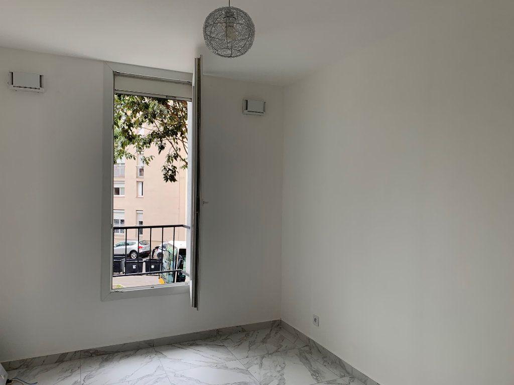 Appartement à louer 3 70.28m2 à Carros vignette-5