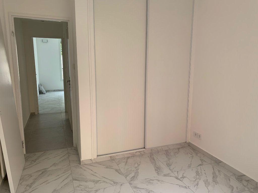 Appartement à louer 3 70.28m2 à Carros vignette-10