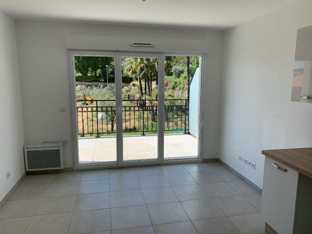 Appartement à louer 2 38.15m2 à Carros vignette-3