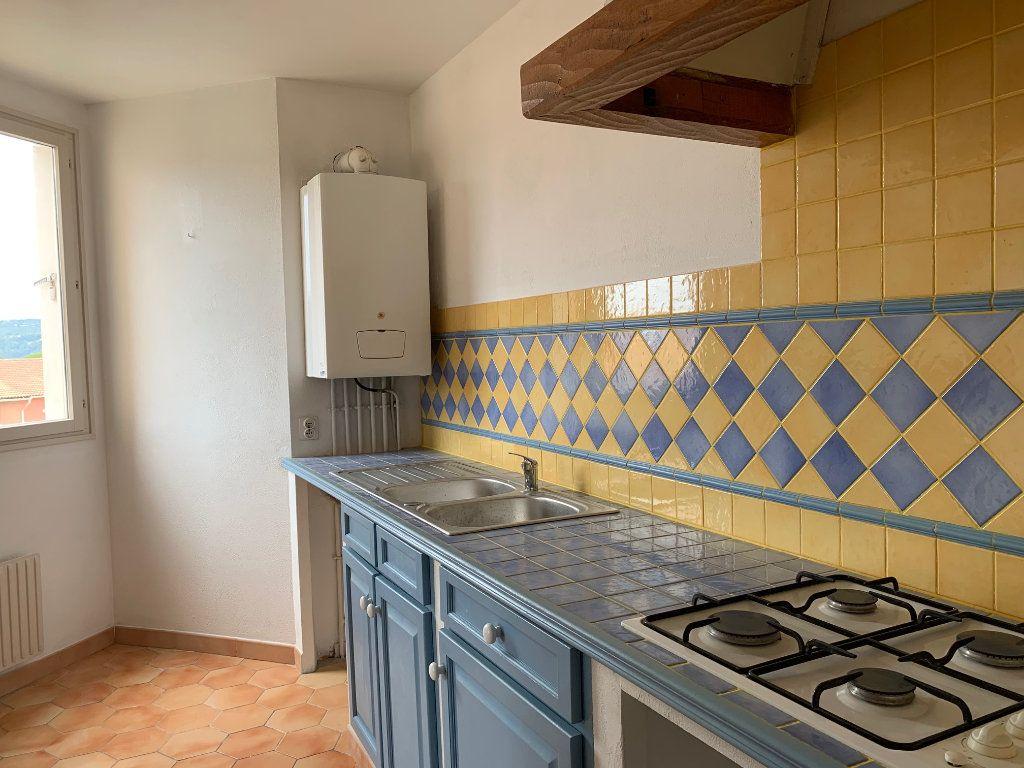 Appartement à louer 5 91m2 à Carros vignette-1