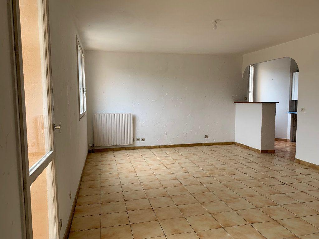 Appartement à louer 5 91m2 à Carros vignette-2