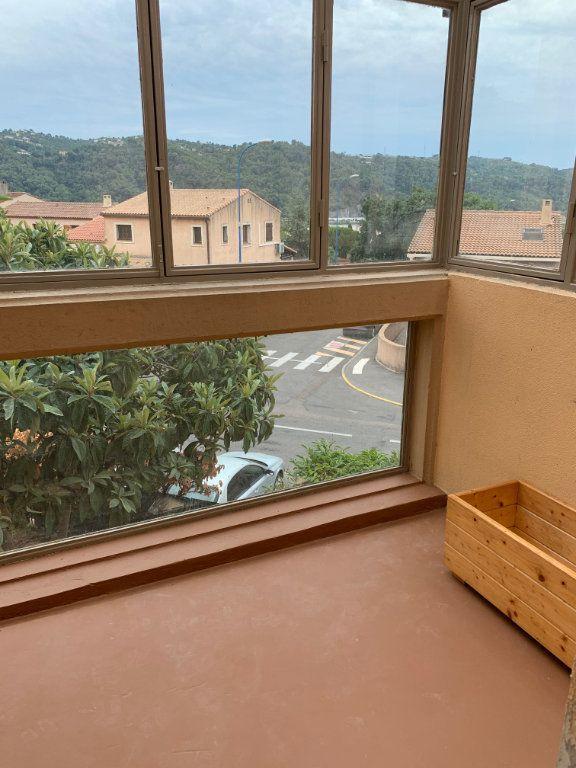 Appartement à louer 5 91m2 à Carros vignette-4