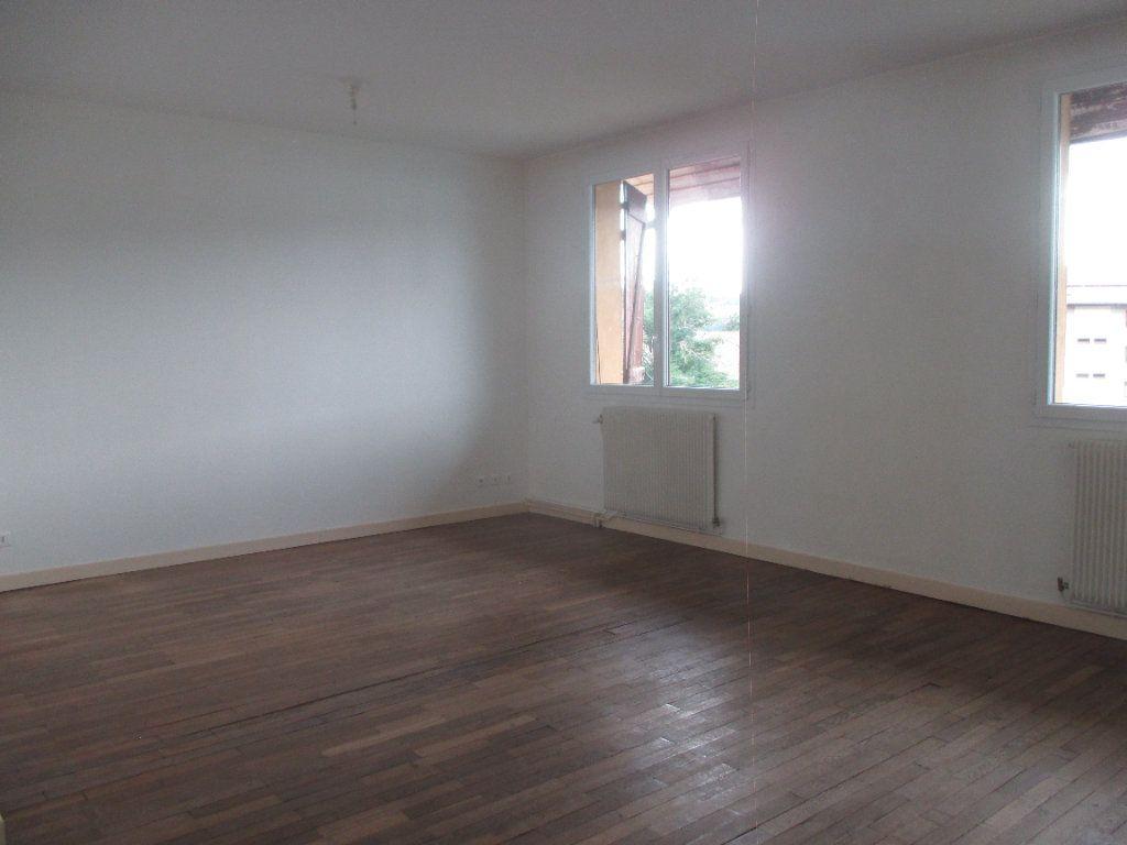 Appartement à louer 3 90.99m2 à Les Échelles vignette-1