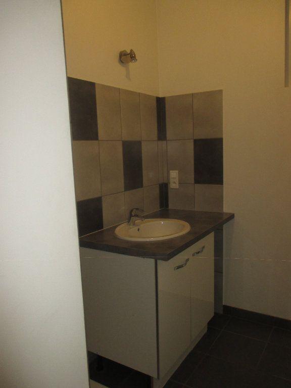 Appartement à louer 3 90.99m2 à Les Échelles vignette-3