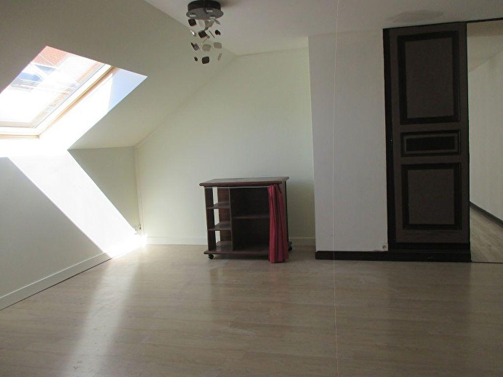 Appartement à vendre 3 58.13m2 à Saint-Laurent-du-Pont vignette-2
