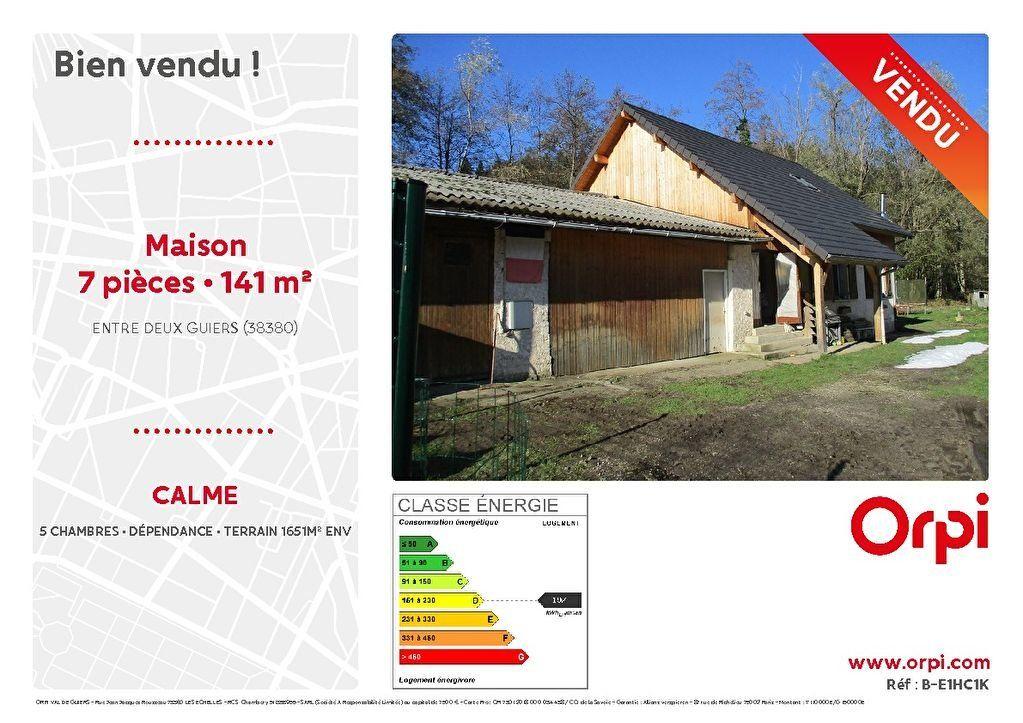 Maison à vendre 7 141m2 à Entre-deux-Guiers vignette-1
