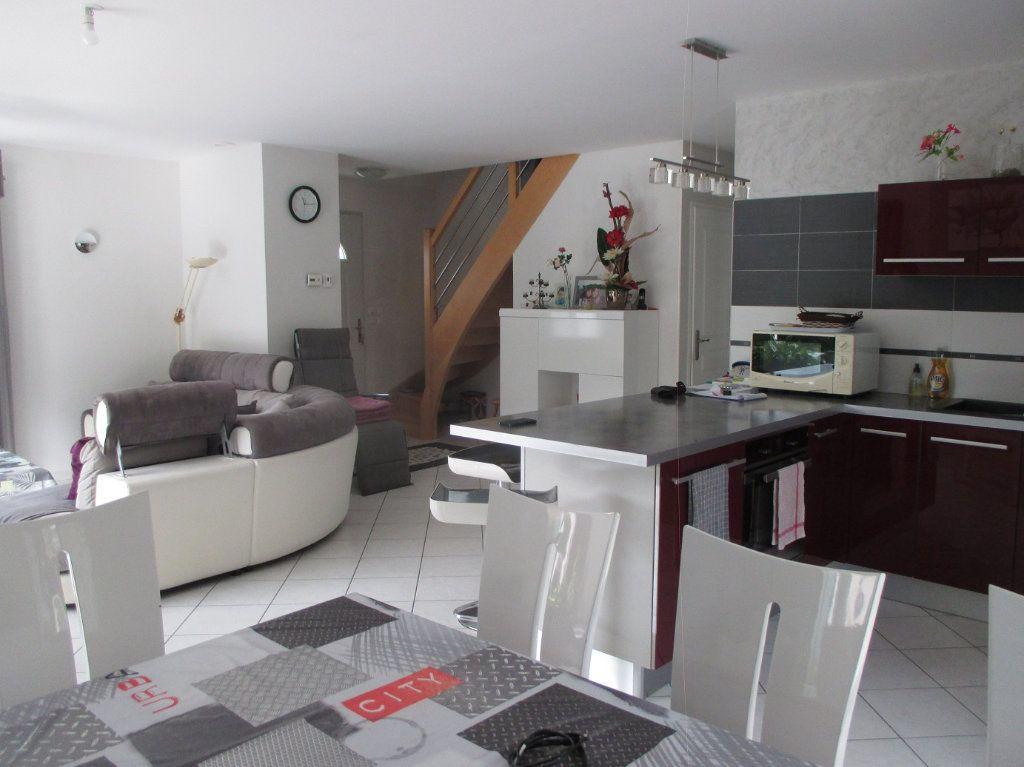 Maison à vendre 5 140m2 à Saint-Christophe-sur-Guiers vignette-2