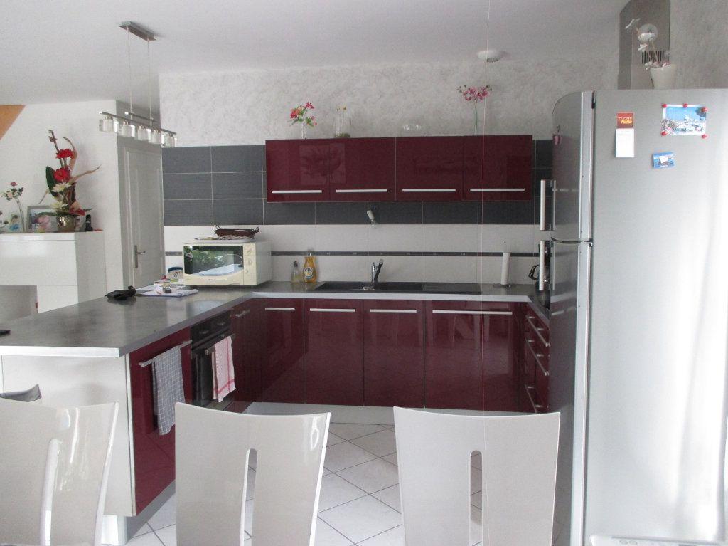 Maison à vendre 5 140m2 à Saint-Christophe-sur-Guiers vignette-3