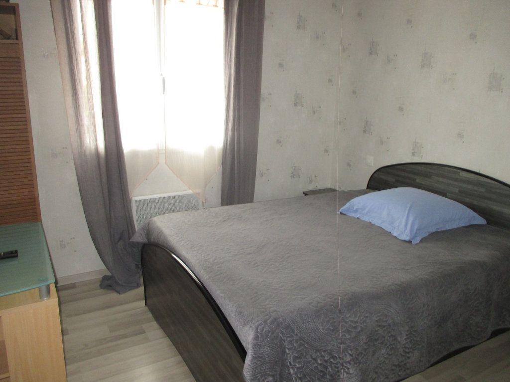 Maison à vendre 5 140m2 à Saint-Christophe-sur-Guiers vignette-5