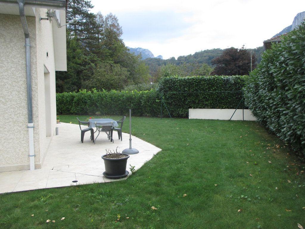 Maison à vendre 5 140m2 à Saint-Christophe-sur-Guiers vignette-6