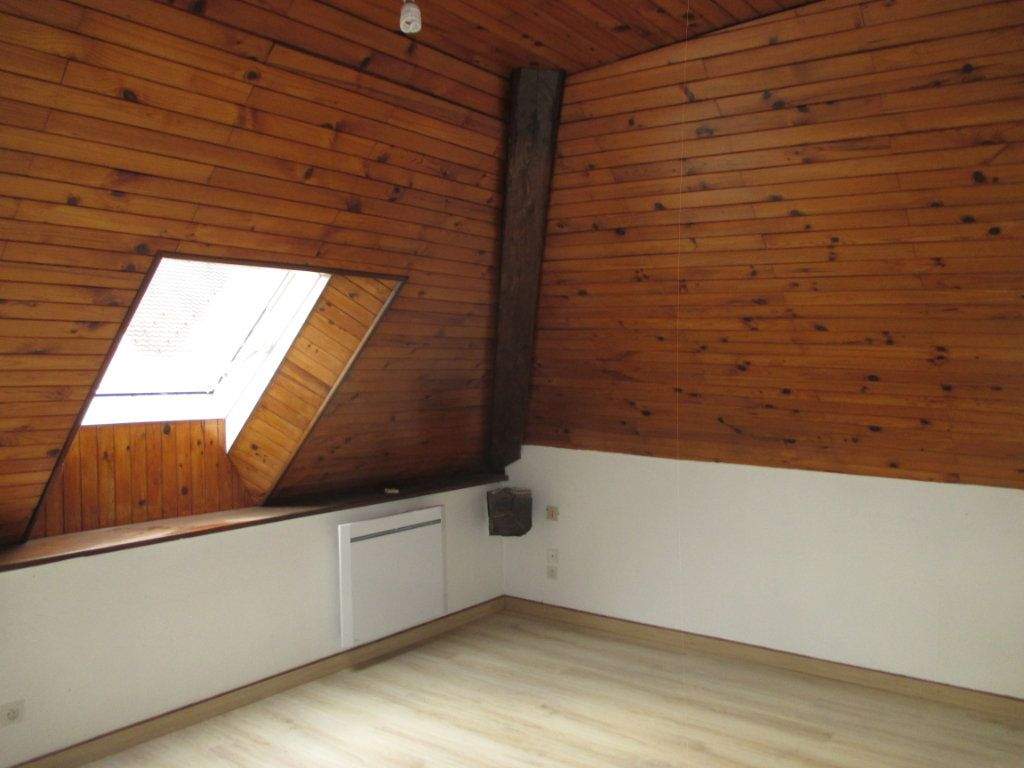 Appartement à louer 1 20m2 à Saint-Laurent-du-Pont vignette-2
