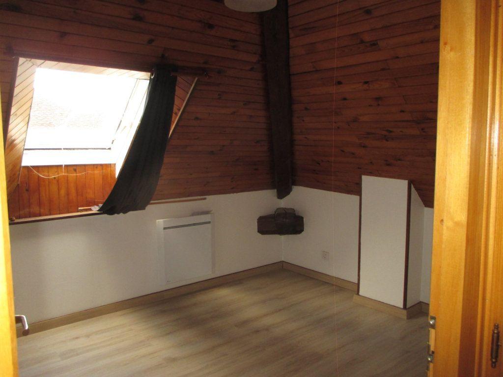 Appartement à louer 1 20m2 à Saint-Laurent-du-Pont vignette-3