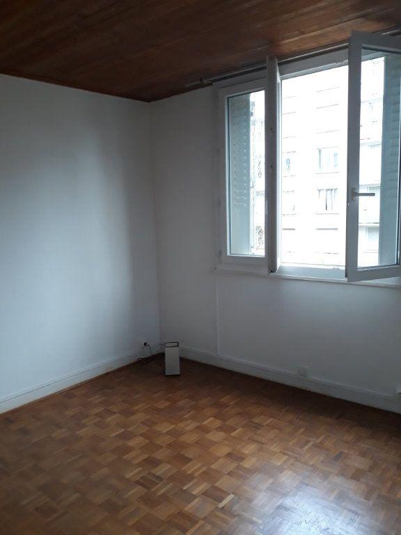 Appartement à louer 4 62.24m2 à Grenoble vignette-2