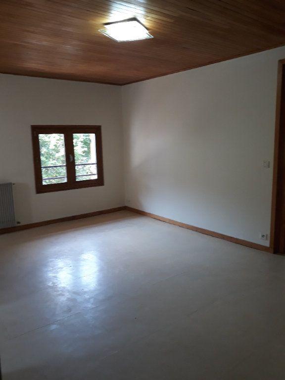 Appartement à louer 2 43.55m2 à Saint-Pierre-d'Entremont Isère vignette-2