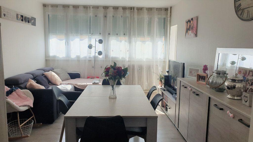 Appartement à vendre 3 60m2 à Chalon-sur-Saône vignette-1