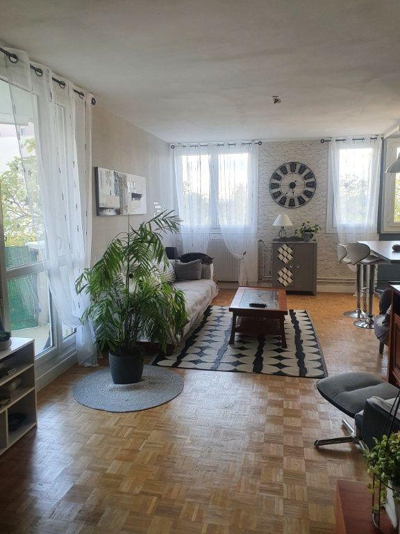Appartement à vendre 5 99m2 à Chalon-sur-Saône vignette-2