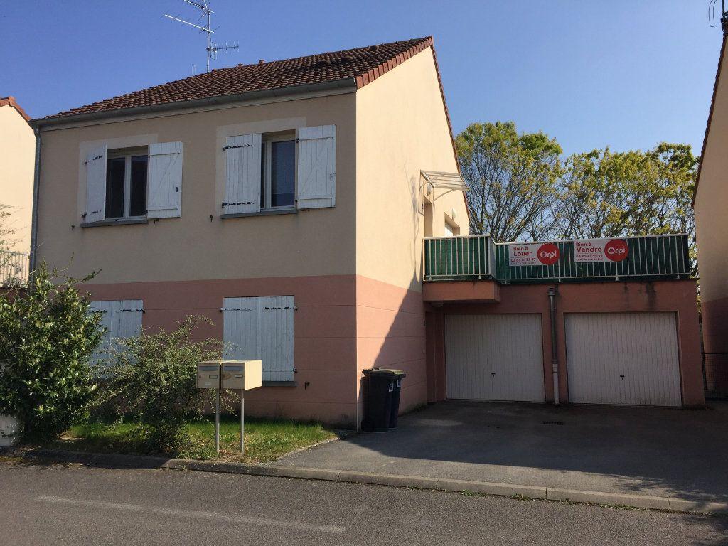 Appartement à vendre 3 67m2 à Saint-Rémy vignette-1