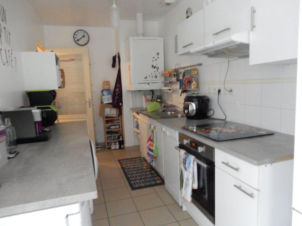 Appartement à vendre 3 67m2 à Saint-Rémy vignette-3