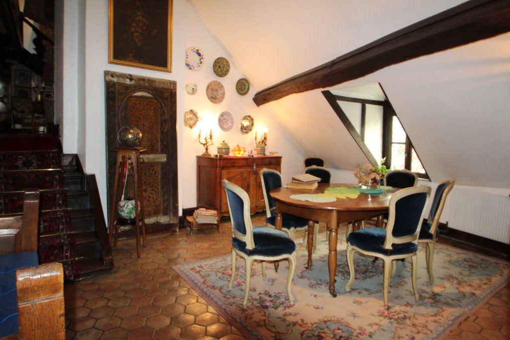 Appartement à vendre 6 183m2 à Chalon-sur-Saône vignette-1