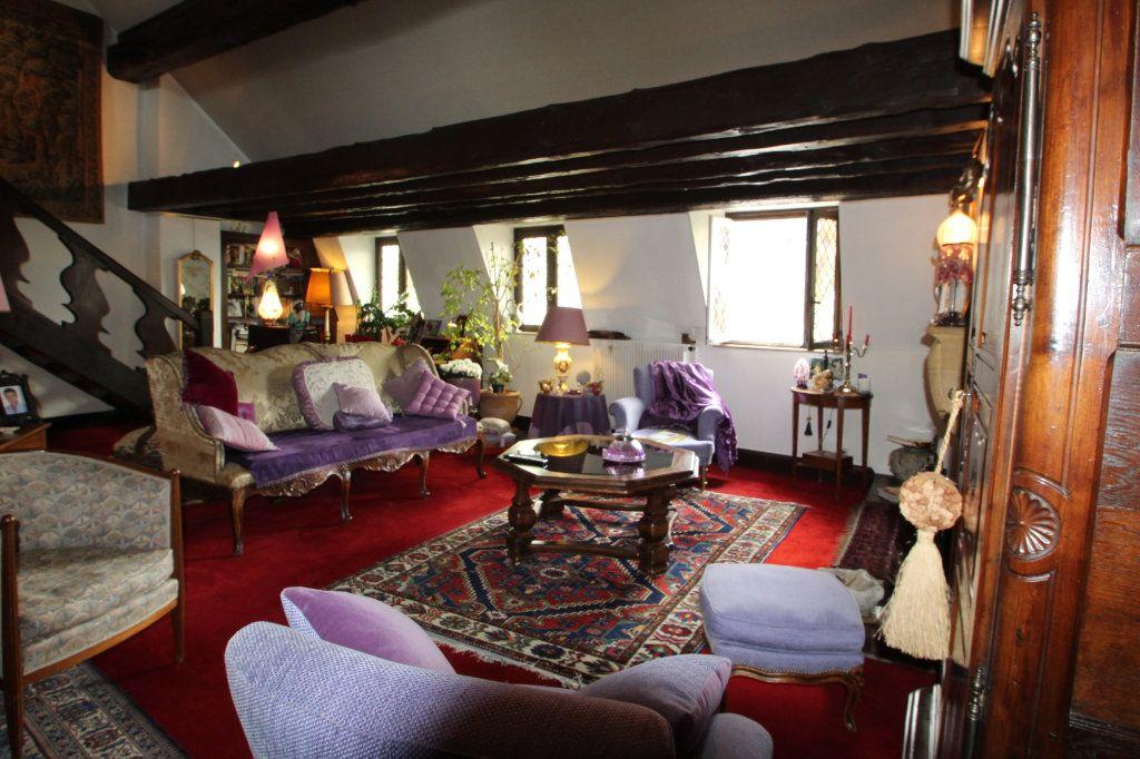 Appartement à vendre 6 183m2 à Chalon-sur-Saône vignette-2
