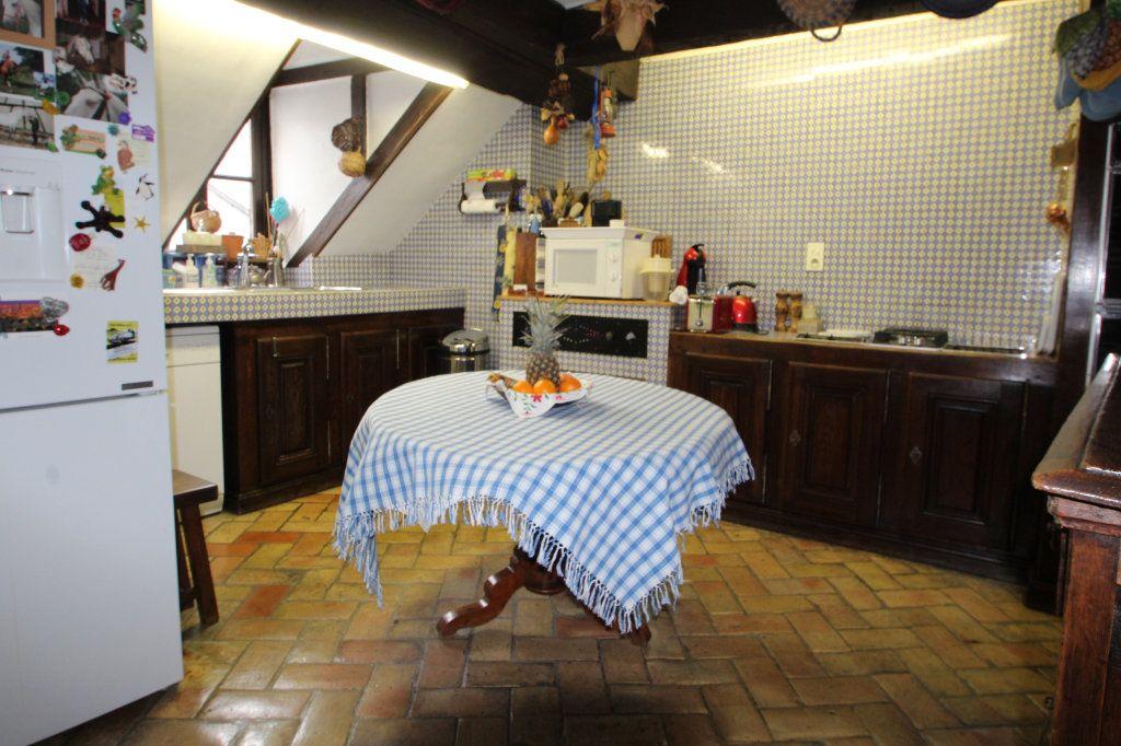 Appartement à vendre 6 183m2 à Chalon-sur-Saône vignette-3