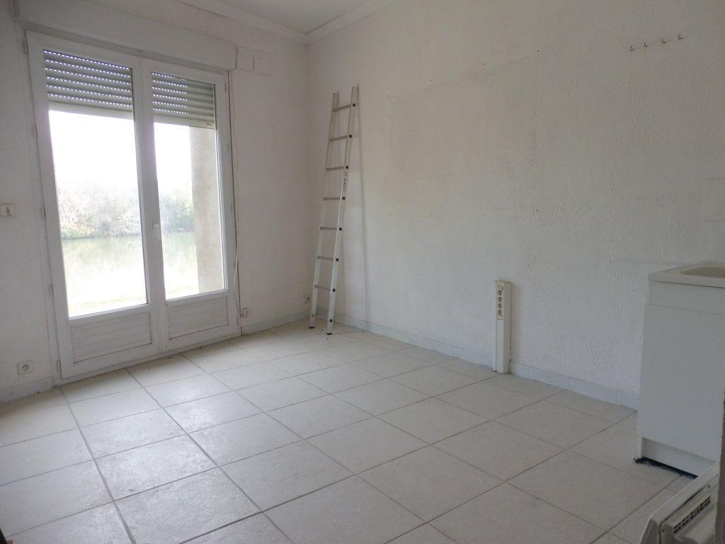 Appartement à vendre 4 110m2 à Saint-Rémy vignette-2