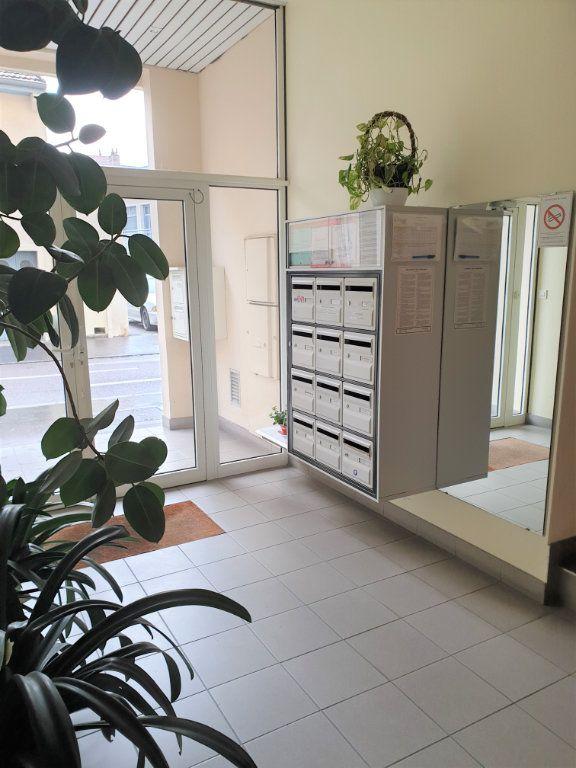 Appartement à vendre 3 66m2 à Chalon-sur-Saône vignette-1