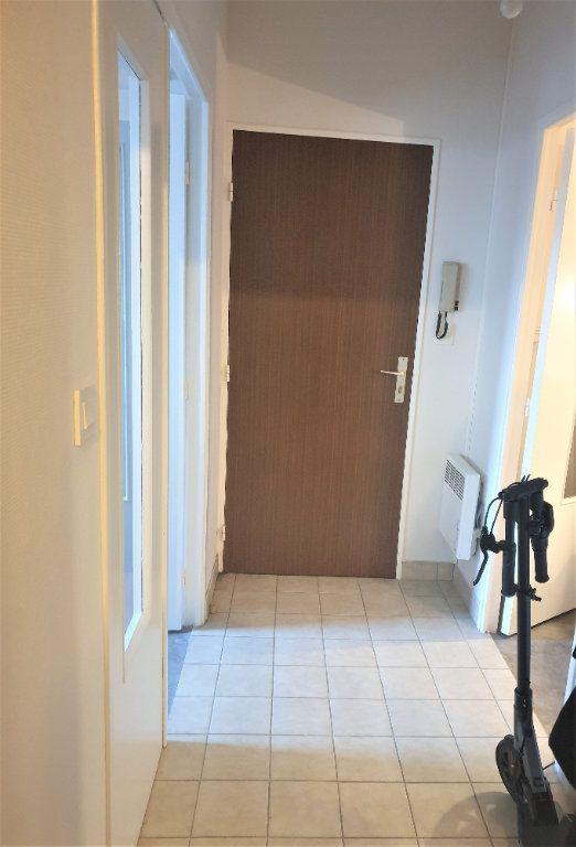 Appartement à vendre 3 66m2 à Chalon-sur-Saône vignette-2
