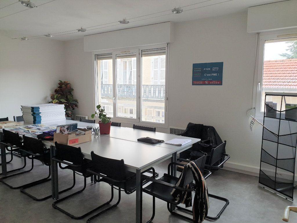 Appartement à vendre 3 66m2 à Chalon-sur-Saône vignette-3