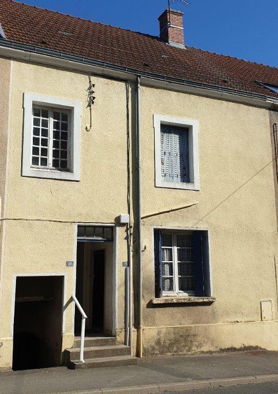 Maison à vendre 4 100m2 à Génelard vignette-2